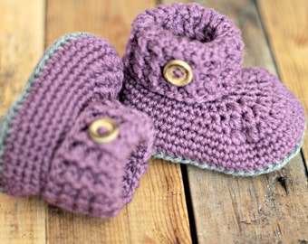Crochet baby booties, shoes. Lilac