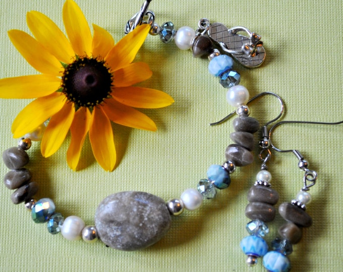 Petoskey Stone focal Bracelet set with Petoskey stone nuggets, blue crystals, and pearls, sterling flip flop,Up North bracelet, Michigan