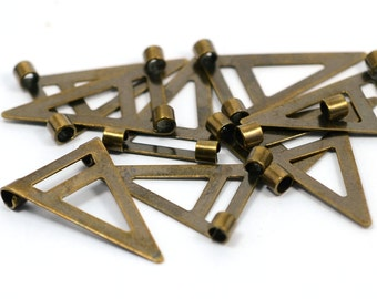 100  Pieces Antique Brass 16,5 x 25 mm Geometric Triangle Form Findings