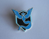 Pokemon Go! Team Mystic Gold Metal Pin