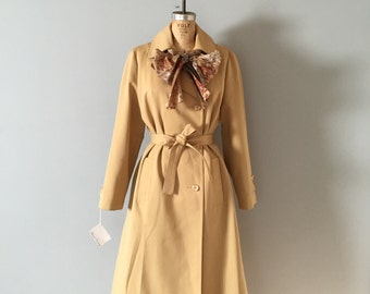 camel brown trench coat | 70s princess bow scarf belted trench