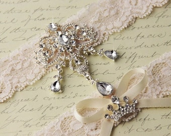 20% OFF Ivory Lace Garter Set, Wedding Garter Set, Bridal garter Set, Rhinestone Garter, Ivory Garter, Broach garter