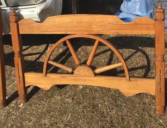 Twin Western Cowboy Wagon Wheel Bed By Theprettyvintageshop