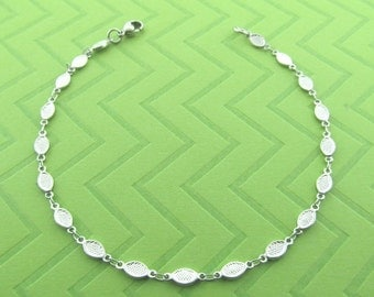 stainless steel ankel bracelet. available in 9 and 10 inches