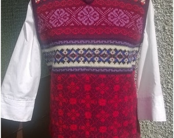 Offer free shipping to UK and 15% off,knitted vest,fair isle sleeveless,pure Shetland wool,quirky fair isle knitted top,made in Shetland