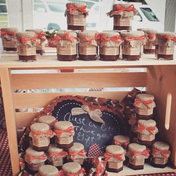 Mini Jelly Jars Wedding Favors: Rustic Wedding Favors