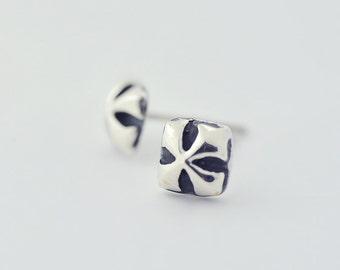 Retro Cross Square Sterling Silver Stud Earrings 1039