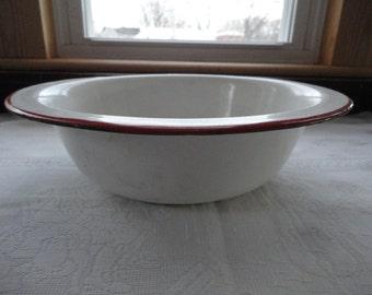 White Enamelware Basin Red Trim Hanging Bowl Wash Basin Primitive Kitchen Farmhouse Decor Dish Pan