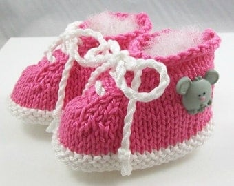 Pink Mouse Baby Booties - Pink Sneaker Newborn Girl Shoes - Hand Knit New Baby Girl Gift - Newborn Baby Girl Booties - Pink Baby Shower Gift