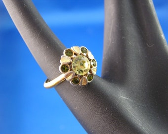 Vintage Sun Brilliants Faux Citrine and Peridot Ring by Avon