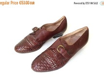 80s maroon LEATHER weave BOOTIES with low heel and monk strap and buckle biological insole retro boho Sioux // Size 38 eu / 5 uk / 7.5 us