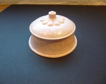 Rare art deco powder box in celluloid/hard plastic, mottled pink