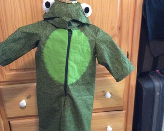 New frog costume 12 month