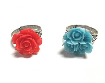 Red and blue flower ring
