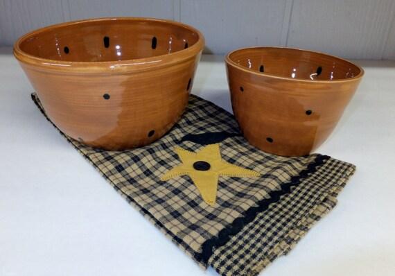 brown polka dot ceramic mixing bowl set pottery nesting bowls. Black Bedroom Furniture Sets. Home Design Ideas