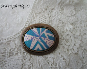 Retro abstract brooch