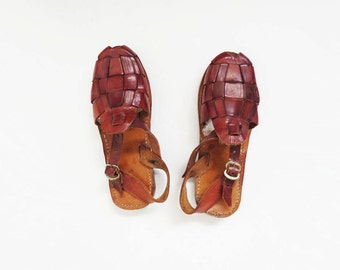 Brown Leather Huaraches // SIZE 6.5 Mexican Sandals // Vintage Women's Shoes