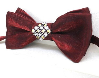 bow tie red with silver and gold