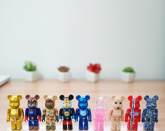Beartoy Transparent Showcase stand for bearbrick only.