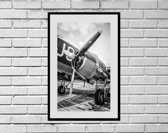 Black and White photograph of a Pratt &Whitney Radial Engine