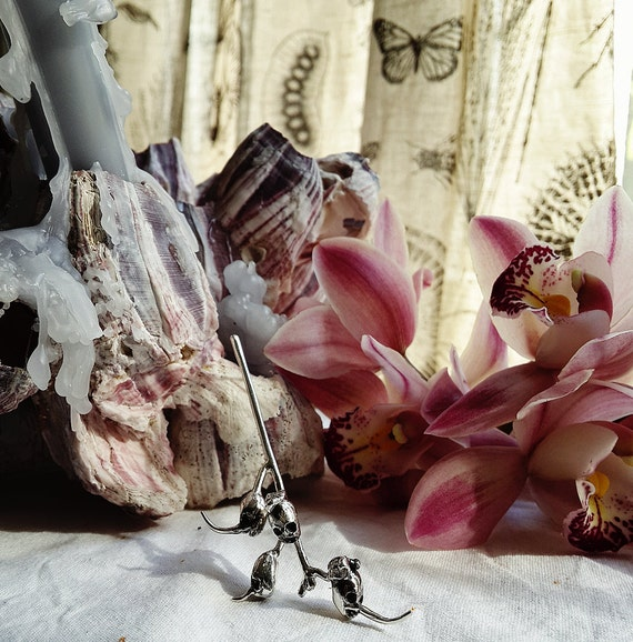 lilac pods snapdragon seed pods hand sculpted silver pendant skull
