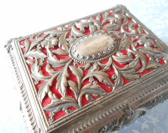 French jewelry casket, beautiful antique jewelry case, French antique jewels display box.