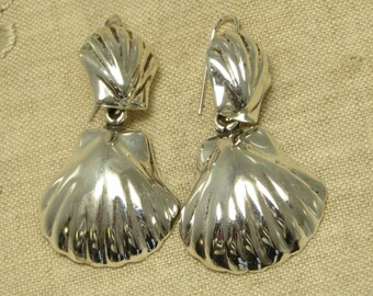 Vintage retro chunky mod sterling silver Mexico beachy tropical dangling sea shell wire earrings