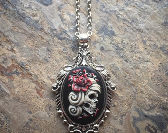 GoTHiC Day of the Dead GYPSY Sugar Skull w/ROSE Cameo Silver Pendant Necklace