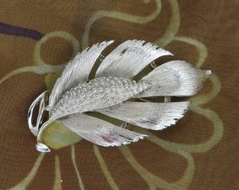 Lisner Leaf Brooch, Vintage Silvertone Pin, Matte Silver Leaf Pin, Signed Lisner Brooch, Free Shipping