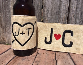 Burlap coozie, Mr Mrs coozies, Wedding coozie, heart and arrow, husband wife coozie, engagement coozie, engagement gift, personalized