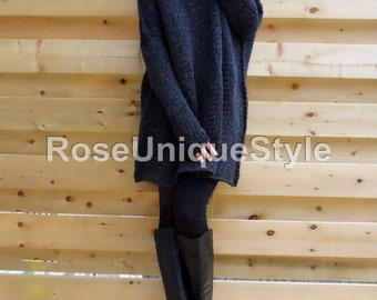 Oversized , Chunky knit sweater. Slouchy/Bulky / Loose knit sweater. Black/ Charcoal grey.