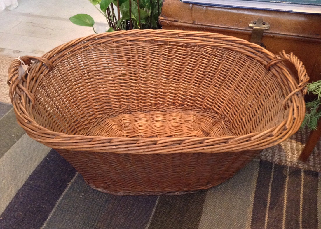 Old Oval French Laundry Or Decorative Woven Wicker Basket