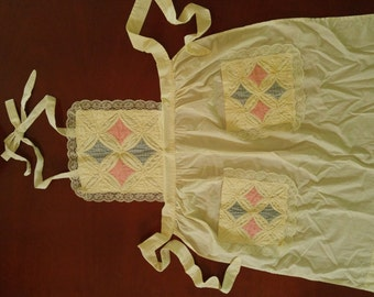 """1970's Handquilted Patchwork Apron  27"""" x 33"""""""