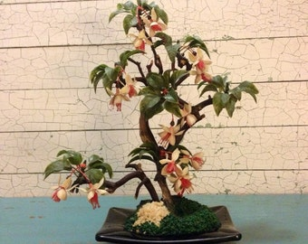 Retro Faux Floral Arrangement 1950's Fuschia Pink White Green