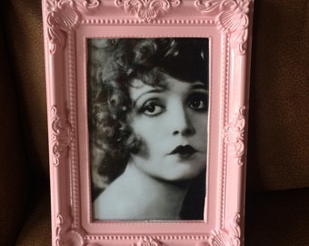 """Clara Bow black & white print in a baby pink frame 6x4"""""""