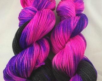 100% Superwash Merino Wool, hand-dyed merino wool, hand-dyed worsted yarn, hand-dyed DK yarn, hand-dyed sock yarn, hand-dyed sparkle yarn