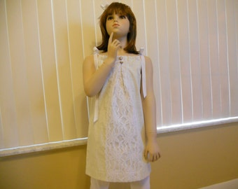 Girls pillowcase dress in a size 3.