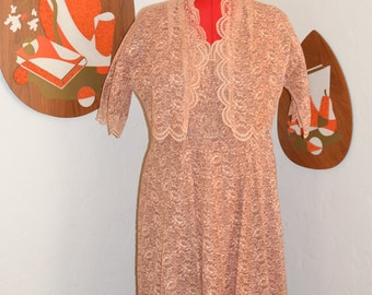 Womens Vintage 1950s Peach Scalloped Lace Swing Dress with matching Jacket, Slip and Belt 4-Piece VOLUP XL XXL