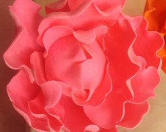 Closed Peony ~ Sugar Flower ~ Peonies ~ Wedding Flowers ~ Cake Topper ~ Edible Cake Topper