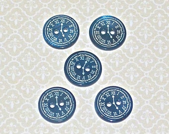 "5 mother of Pearl buttons from ""Tiktak"""