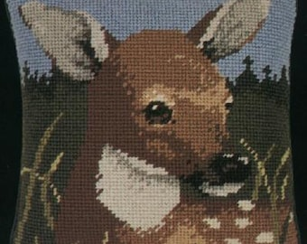 Green Mountain Doe Pillow needlepoint kit (wool)(Big Stitch-6 count)
