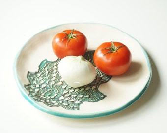 Circle Ceramic Plate, Leaf Plate, Appetizer Plate, Ceramic Tray, Handmade Ceramics and Pottery, Serving Plate, Housewares, Ceramic Platter