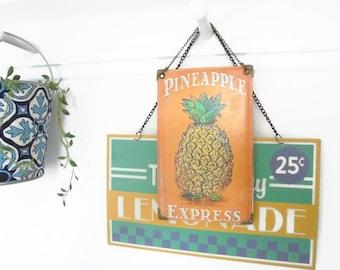Reversible Hanging Vinyl Pineapple wall decor