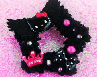 Black Hello Kitty two way fuzzy star clip-creepy cute-Gothic Lolita-Fairy Kei-cabochons-black bow-pink crown-iridescent