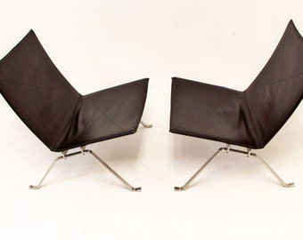 Mid Century Danish Modern Pair of PK22 Chairs By Poul Kjaerholm For Fritz Hansen