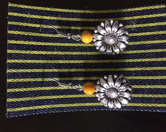 Sunflower button earrings