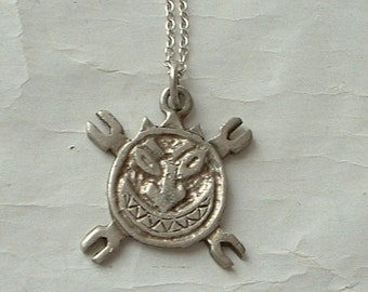 Vintage pendant and sterling chain