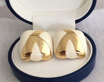 Haute Couture High Fashion Designer Ciner Cushion Design Cream Color Enamel Abstract Gold Tone Clip On Earrings Stunning