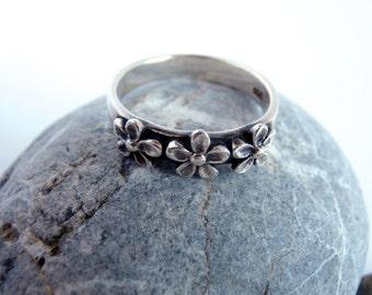 Silver Flower Ring - Daisy Ring