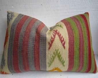 16 x24 Turkish Kilim Pillow,Kilim pillow,Vintage pillow,Anatolian pillow,Handwoven pillow,Lumbar pillow,Decorative pillow,Cushion cover